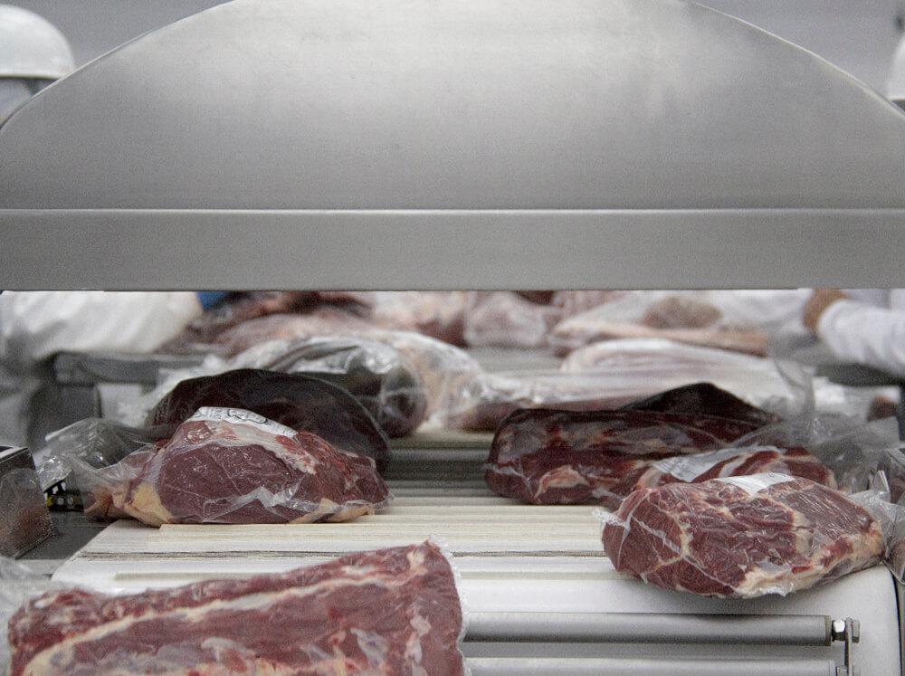 frigorifico-verdi-carnes-pouso-redondo-sc-fechamento-vacuo